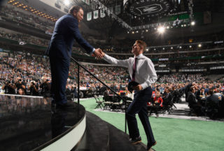 DALLAS, TX - JUNE 22: Ty Dellandrea shakes the hand of NHL Commissioiner Gary Bettman after being selected thirteenth overall by the Dallas Stars during the first round of the 2018 NHL Draft at American Airlines Center on June 22, 2018 in Dallas, Texas. (Photo by Brian Babineau/NHLI via Getty Images)
