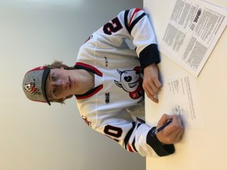 Dylan Roobroeck Signing